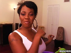 Ebony Chick Fucks And Gets Lots Of  To Her